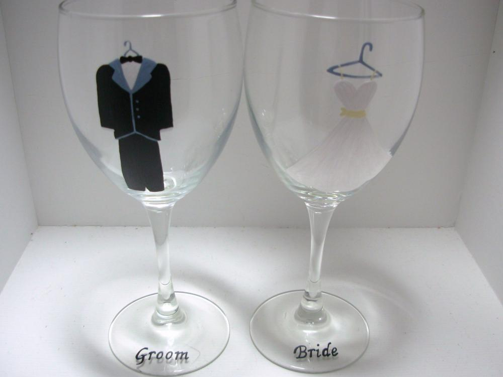 Bride and Groom Wedding Wine Glasses Handpainted